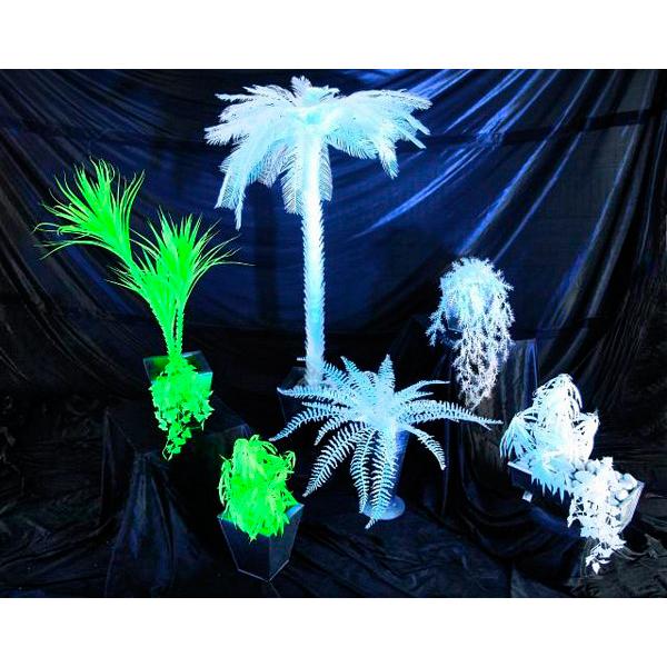 EUROPALMS 90cm Kentiapalmu valkoinen, hohtaa ultraviolettivalossa (mustavalossa). Perinteinen UV-aktiivinen tilakoriste. High Tech decoon.