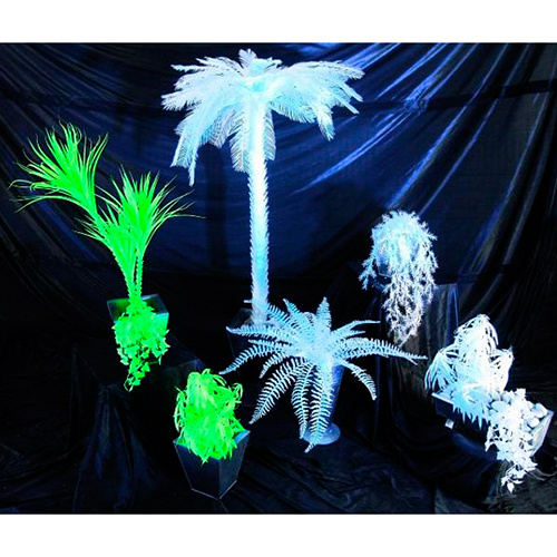 EUROPALMS 60cm UV-saniainen valkoinen, hohtaa ultraviolettivalossa (mustavalossa). Boston Fern, uv-white. A glowing object, for sure an eye-catcher