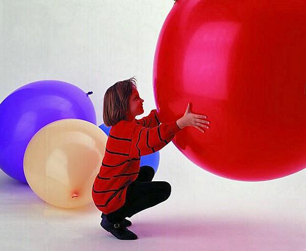 DECO Jättiilmapallo 250cm (ympärysmitta) Giant balloon  250cm circum, various col