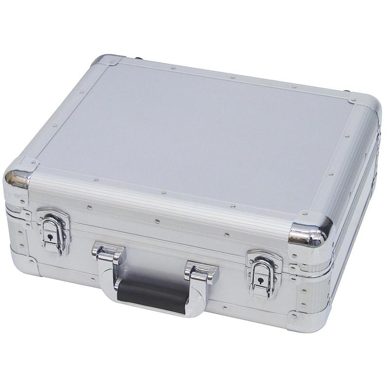 ROADINGER CD case 90 CD-levylle tai Pioneer DJM-500-600-700-800-850 mikserille! Näppärän kokoinen CD-levyjen kuljetus- tai säilytyslaatikko. Ulkomitat 425 x 380 x 175 mm sekä paino 3,4kg.