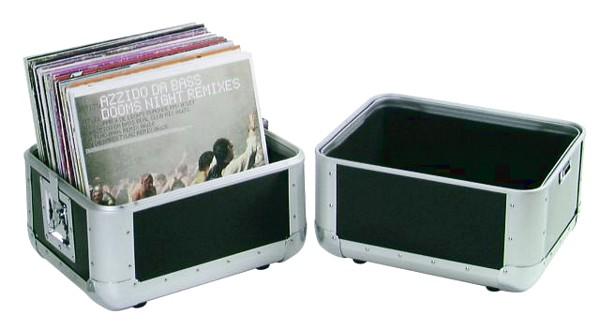 OMNITRONIC Vinyyli salkku  50 levylle musta alumiinista. Record-case ALU 50/50, rounded, black. Ulkomitat 360 x 285 x 365 mm sekä paino 4kg