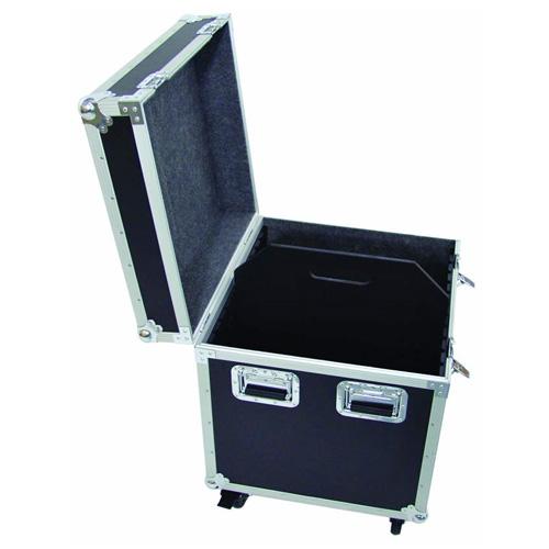 OMNITRONIC Yleismallinen kuljetuslaatikko pyörillä 60 cm. Ulkomitat 635 x 590 x 760 mm sekä sisämitat: Leveys 585 mm Korkeus 530 mm syvyys 580 mm.