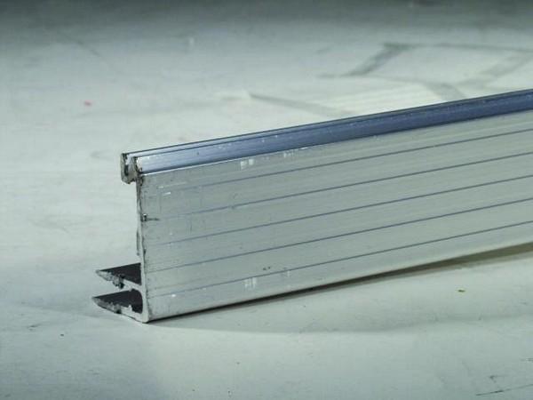 POISTO OMNITRONIC Alumiiniprofiili 30x40mm 7mm panelille, toimitetaan 2m paloina, hinta kahdelta metriltä.