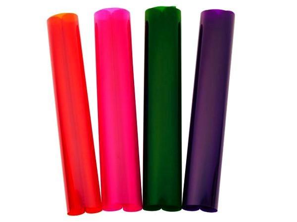 EUROLITE Värikalvo 110 keskiruusu 50x61cm. Lämpöä kestävä värikalvo sopii lähes kaikille valoille, oli sitten kyseessä hehkulampusta, halogeenista tai LEDistä. Kestävyyden kannalta minimi etäisyysarviot halogeenipolttimosta kalvoon 30W 2cm, 50W 3cm, 100W 6cm, 300W 10cm, 500W 13cm. Voidaan laittaa lähemmäksikin, mutta väri palaa pois kalvosta nopeasti.