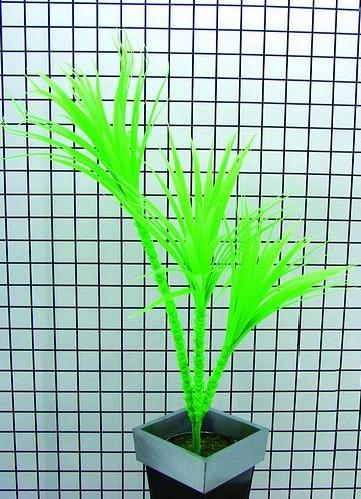 EUROPALMS 90cm Jukkapalmu 3-runkoinen, vihreä, hohtaa ultraviolettivalossa (mustavalossa). Perinteinen UV-aktiivinen tilakoriste. High Tech decoon.