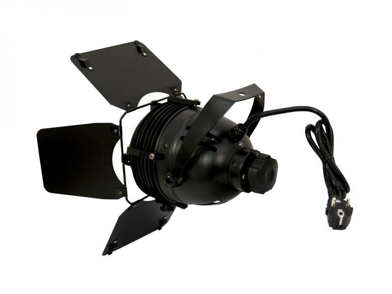 EUROLITE TVS-800 TV sekä studio spot 800W, Focus säädettävissä. Todella tehokas ja kompakti studio/ TV spotti, jolla saat tehoa edullisesti. Säädettävä focus sekä läppärajaimet. alumiini runko, suoja grilli, sekä korkea tuotto valolle. polttimo tilattava erikseen.