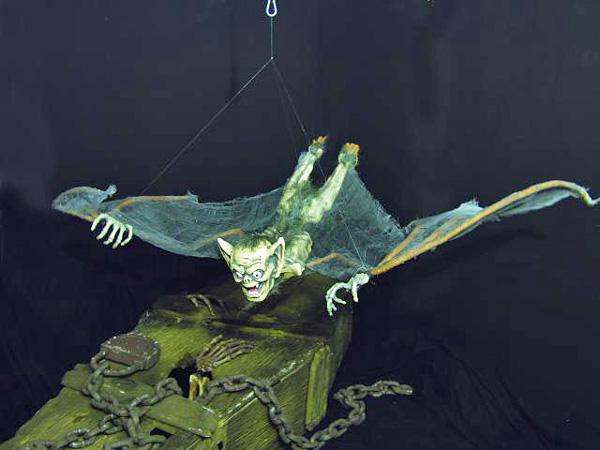 EUROPALMS Halloween menninkäinen lepakkosiivillä, jotka ovat UV-herkkää materiaalia (reagoi mustavaloon). 120cm