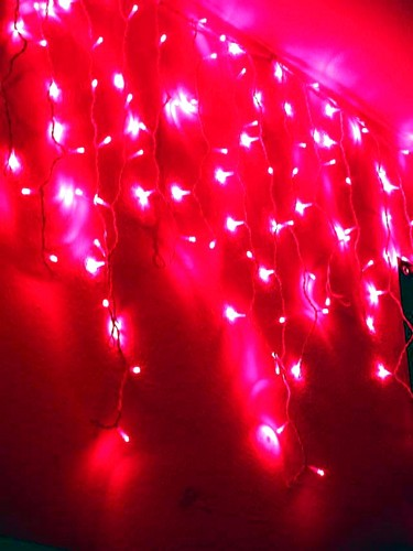 EUROLITE Icicle garland 152 red LEDs, for indoor or outdoor use