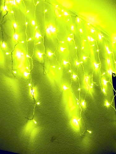 EUROLITE Icicle garland 152 yellow LEDs, for indoor or outdoor use