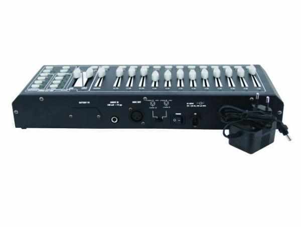 EUROLITE FD-12 DMX himmennin paneeli 12-kanavaa, 12 liukua, 4 ohjelmoitavaa ohjelmaa 84 steppiä/ ohjelma.  4kpl esiohjelmoituja chaseja. Toimii virtalähteellä tai erikseen ostettavalla 9V paristolla. Mitat 415 x 150 x 70 mm sekä paino 2kg.