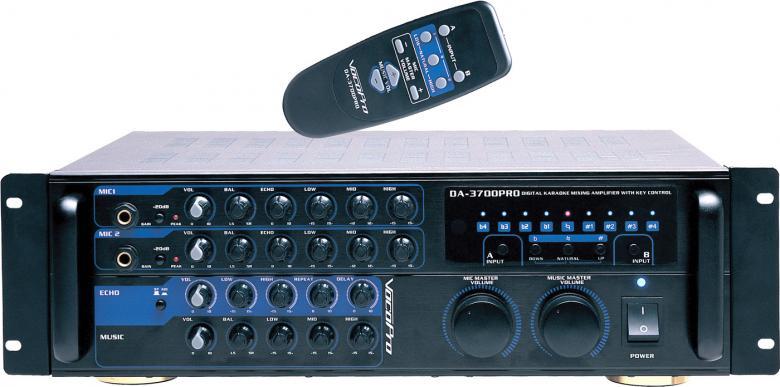 VOCOPRO IDOL II ammattitason siirrettävä karaoke järjestelmä. Uusi IDOL sisältää kaikki ammattilaitteista löytyvät upeat karaoke ominaisuudet, kuten transponoinnin, digitaalikaiun, Side-Firing-kaiutinkotelon, kauko-ohjauksen, sekä DVD-laatuisen soundin. Siirrettäväm IDOL:in voi liittää lähes mihin tahansa äänentoistojärjestelmään. Juhlat käynnistyvät todella upeasti, kun tuot IDOL:in mukanasi seuraaviin bileisiin. 9-portainen digitaalinen transponointisäädin muuttaa musiikin sävelkorkeuden tempoon vaikuttamatta. DVD, CD-G, VCD, MP3, HDCD, Photo-CD, CD, CD-R ja CD-RW-yhteensopiva. 4 mikrofonituloa kahdella erillisellä säätimellä. Sisältää Casen, DA-3700 vahvistimen sekä DVG-668K soittimen.