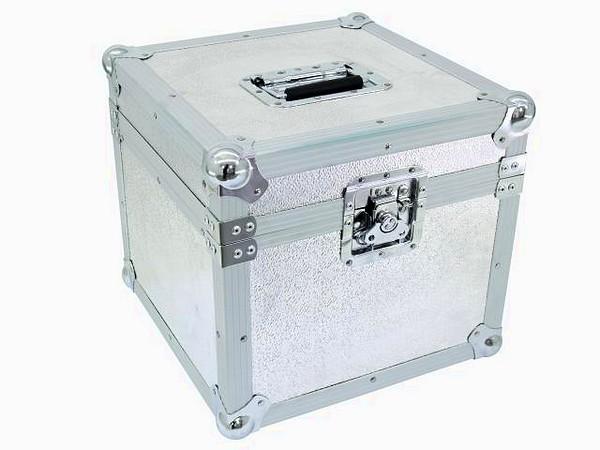 POISTO Omnitronic Kuljetuslaatikko asiakirjoille Hyvä lahjaidea ja todella tyylikäs toteutus. laadukas perhoslukko sekä kantokahva. Mitat 380 x 380 x 360 mm sekä paino 5.2kg.