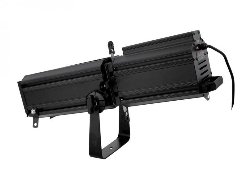 EUROLITE Profiili spotti 650W 20-40° Helppokäyttöinen seurantaheitin profiilivalonheitin, seurantaheitin, follow spot, search light, spofile spot. edullinen ja helppo käyttää. Soveltuu mm. pikku näyttämöille, Lavoille, bändeille, teatteriin. Mitat 690 x 250 x 350 mm sekä paino 10,00kg.