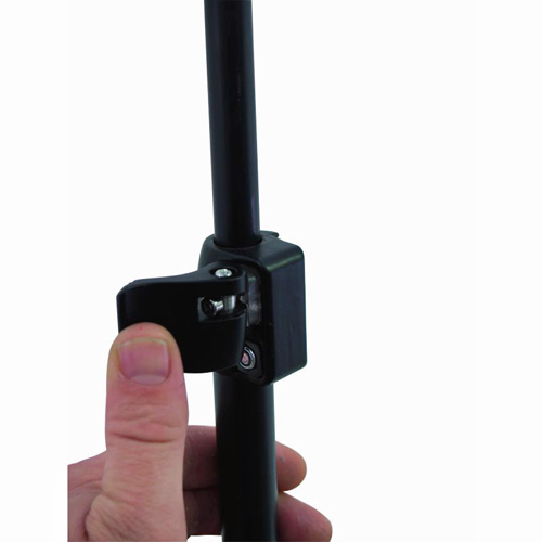 OMNITRONIC Mikrofoniteline puomilla, erittäin tukeva, varustettu suojauksella tärinää vastaan.