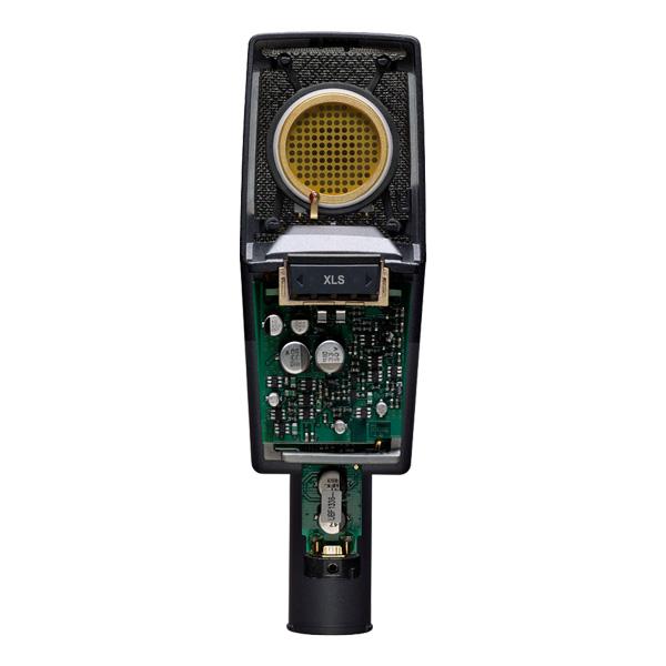 AKG AKG C414 XLS studiomikrofoni suurikalvoinen. Large-diaphragm condenser microphone for universal applications, Legendaarisen kondensaattori suodiomikrofonin uusi versio