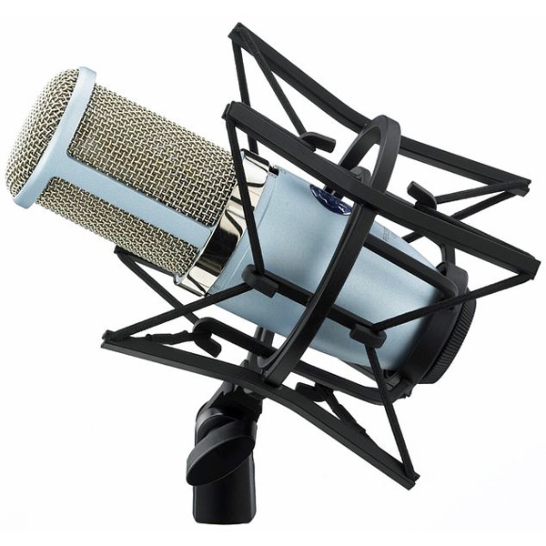 AKG Perception 420 Isokalvoinen kondensaattorimikki studiokäyttöön. Large diaphragm condenser microphone with 1