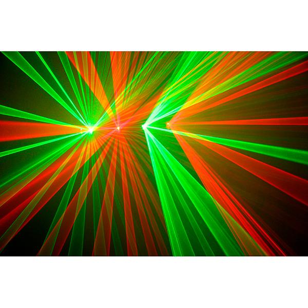 BEAMZ Hestia 4-way Laser Effect RG DMX. Näyttävä kahden värin laser, 4 synkronisoidulla lasersäteellä, 2 punaista ja 2 vihreää sädettä, 2 DMX-kanavalla, 20 esiohjelmoidulla kuviolla. Vihreä laser 60mW ja punainen laser 120mW