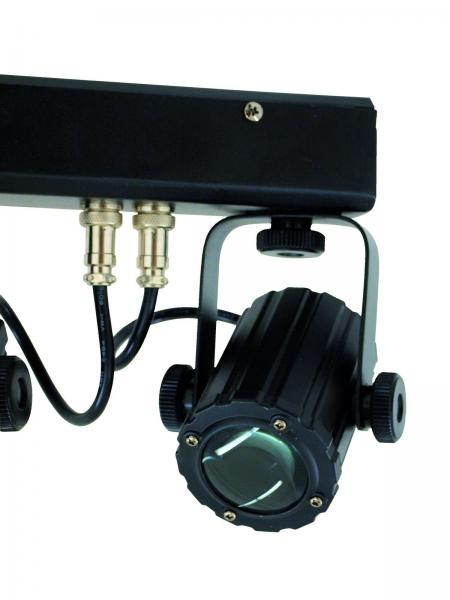 EUROLITE LED SCY-Bar TCL light set on 6-spotin valosetti, sisältää kuljetuskotelon. LEDit TLC-LEDejä, eli Tri Color LEDejä, jokaisen linssin takana kolme LEDiä. Jokainen spotti ohjattavissa erikseen DMX:llä.