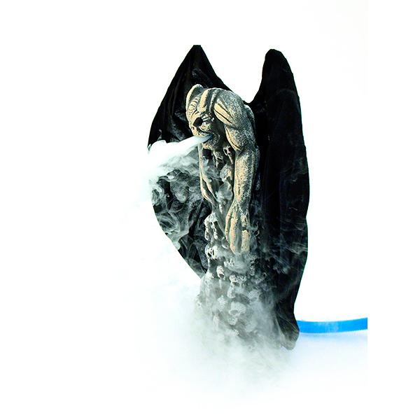 EUROPALMS LOPPU!!Savuava Demoni 54x 50x 15cm, voidaan liittää savukoneeseen. Smoking demon. Demon figure with smoking effects (Use with fog machine).