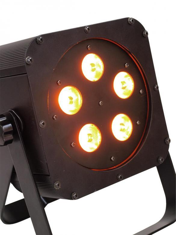 EUROLITE LED SLS-5 valonheitin BCL valkoiset ledit 5x5w säädettävällä värilämmöllä. 5x 5W Floor 20° LED-valonheitin 2in1 bicolor LEDeillä joissa valkoinen ja oranssi. Tehokas ja ohut LED-spotti, joka voidaan asettaa lähes mihin vaan, esim. kattoon, seinään, lattialle, ständiin, trussiin...