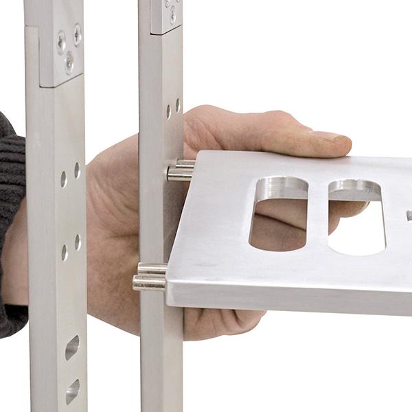 OMNITRONIC Läppäriteline eli kannettavan tietokoneen teline, tyylikäs, käytännöllinen ja helposti muunneltavissa. DLR-12/17 30-43cm, korkeus säädettävissä, väri harmaa. Maximi kuorma 5kg, mitat 255 x 270 x 300mm, paino 1,8kg
