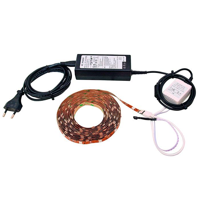 EUROLITE LED-nauhasetti 5m SMD5050 IR-kauko-ohjaimella, 30 LED:iä metrillä, sopii ulko ja sisäkäyttöön IP44, sisältää virtalähteen. LED strip blister set. laadukas SMD ledeillä sekä IR kaukoohjaimella varustettu LED teippinauha setti. Realize your creative ideas, indoors or out. LED strip! Mitat 5000 x 10 mm sekä paino 50gr.