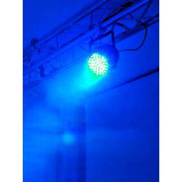 EUROLITE LED PAR-64 LED-valonheitin RGBW-värit + UV 49x 3W LEDit 20° alu, staattiset värit, RGB-värisekoitus, himmennin ja strobe-efekti DMX:n kautta, sisäänrakennetut ohjelmat, musiikkiohjaus, DMX-ohjaus tai stand-alone, master/slave. PAR-64 RGBW+UV short silver.