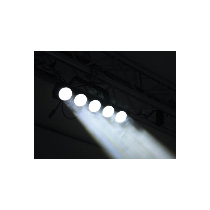 EUROLITE LED BB-5 LED-palkki 5x CREE XM-L 7W LEDiä kylmä valkoinen (6300-7000K) 1,5°, LED-toimintanäyttö ja ohjauspaneeli valaisimen takana, sisäänrakennetut ohjelmat, himmennys, stobe-efekti, musiikkiohjaus jossa herkkyys säädettävissä, DMX-ohjaus tai stand-alone, master/slave. Mitat 500 x 180 x 198 mm sekä paino 3,0kg.