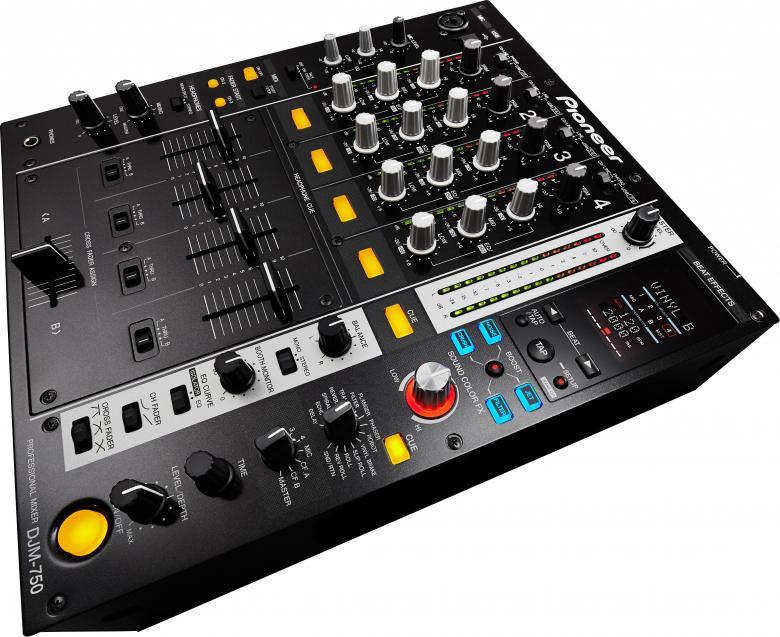 PIONEER DJM-750K Musta DJ mikseri Täysin digitaalinen perfomanssi upeilla efekteillä. DJM-750 tarjoaa upeat mahdollisuudet luovuudelle ja nostaa FX-manipuloinnin ja ohjelmistosynergian uudelle tasolle. DJM-750-mikserissä yhdistyvät uusin ääni- ja FX-teknologiamme kohtuuhintaisessa, nelikanavaisessa laitteessa. Mikserissä on 13 biittiefektiä – mukaan lukien uusi VINYL BRAKE – sekä taso/syvyys-nuppi wet/dry-miksausten konkreettista ohjausta varten.DJ voi käyttää 13 FX -biittiefektiä, mukaan lukien uusi VINYL BRAKE ja paranneltu ROLL. Taso/syvyys-säätimellä säädetään wet/dry-miksauksia samalla, kun DJ pystyy hallitsemaan nopeutta BEAT LEFT/RIGHT-painikkeilla sekä manuaalisella aikaohjauksella.