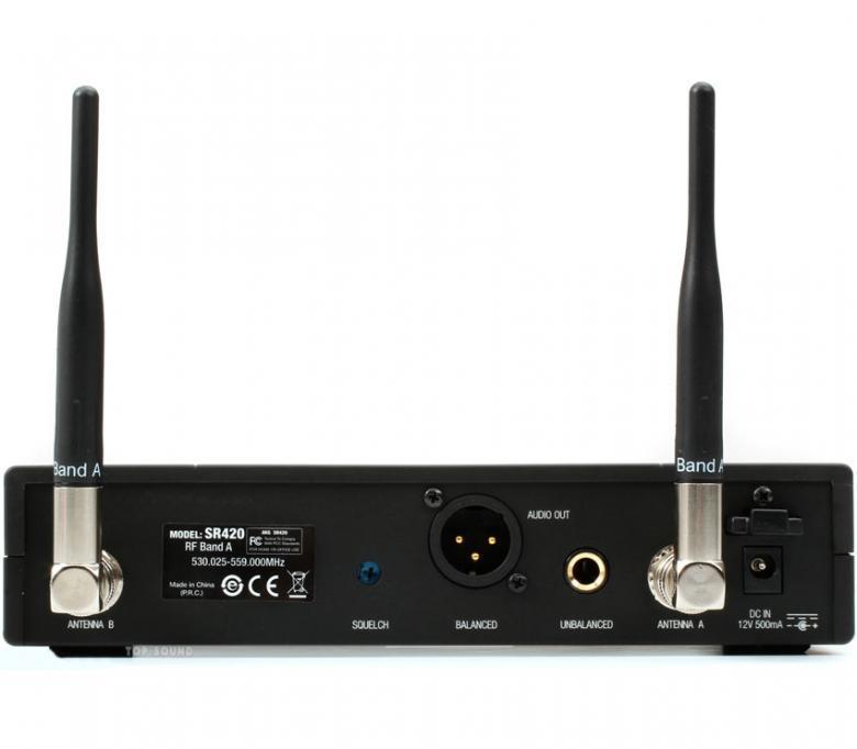 """AKG WMS420 HTD5 langaton mikrofonijärjestelmä M826,300MHz) luvasta vapaa alue, langaton mikrofonijärjestelmä. Diversity käsilähetinjärjestelmä dynaamisella patentoidulla D5-kapselilla. Max. 8 kanavaa taajuusalue, kaikissa lähettimissä latauspinnat (CU400 laturi), AKG lupaa 8h käyttöaikaa yksittäisellä AA-paristolla, Yhteensopiva kaikkien AKG:n MicroMic-sarjan mikrofonien kanssa, lähettimissä """"Low Battery"""" varoitusindikaattori, ulkoiset irrotettavat antennit – yhteensopiva lisäantennien sekä antennijakojen kanssa, lähetinteho 10mW-50mW taajuusalueesta riippuen."""