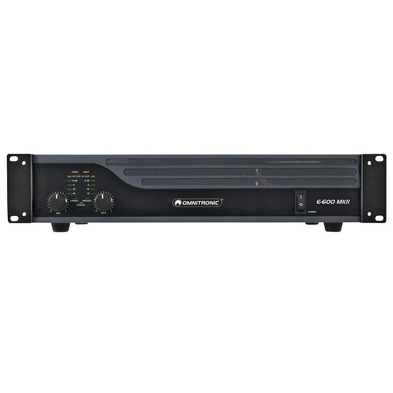 OMNITRONIC E-600 MK2 päätevahvistin limitterillä 2x 300W 4?, 2x 200W 8?, 1x 600W siltakytkennässä 8?. Laadukas sekä helppo kytkeä, limitteri voidaan kytkeä päälle tai pois. Voidaan käyttää stereo tai Bridge moodissa. Maakytkin huminan estoa varten. Signaali sisään XLR tai RCA sekä linkki toisille päätteille tai aktiivikaiuttimille XLR-XLR. Räkki asennettava 2U n.10cm. koko 345 x 482 x 100mm (19'' 2U) 10kg.