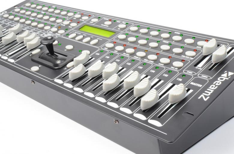BEAMZ DMX1360 PRO DMX-valo-ohjain 136-kanavaa, scannereille 128-kanavaa ja PAR-valoheittimille 8-kanavaa. Eurolite stage controller 136 vastaava tuote. Mitat 482 x 178 x 100mm ja paino 3.5kg