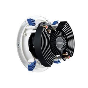 """YAMAHA NS-ICS600 Upotettava kattokaiutin, max. 120W, taajuusvaste 65Hz-28kHz, 8ohmia, halkaisia 242mm, paino: 1,8 kg/kpl. Upotettava kattokaiutin on 6.5"""" elementillä sekä tupla puhekela bassokartiolla, kahdella nestejäähdytetyllä kääntyvällä kupolidiskanttilla. Huomaamaton matala ritilä."""