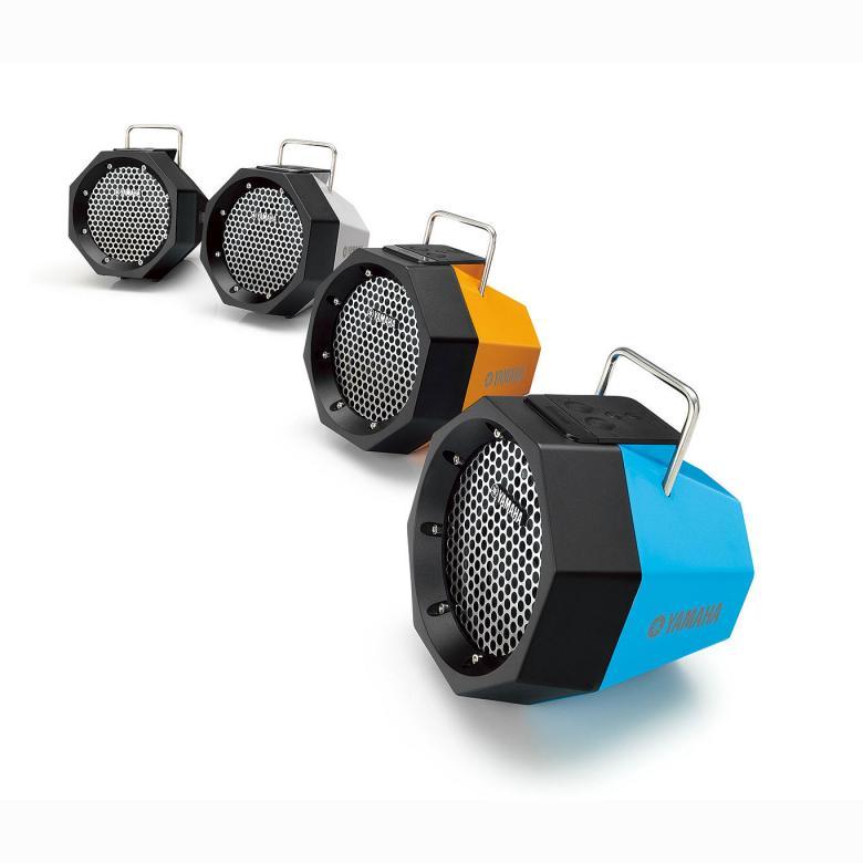 YAMAHA PDX-B11 Bluetooth-kaiutin, AUX-in (stereo mini jack plug 3,5mm). Nyt voit ottaa musiikin mukaan, mihin tahansa menetkin! Kompakti sekä kevyt langaton kaiutin, jossa tukeva kantokahva. Langaton Bluetooth musiikin kytkentä, jättää ylimääräiset kaapelit kotiin. Kuuntele älypuhelimeesi tai taulutietokoneeseesi tallennettua musiikkia langattoman Bluetooth yhteyden kautta. Bluetooth toimintasäde n. 10m, paristo-/akkutoiminto (n. 8 tuntia). Väri oranssi