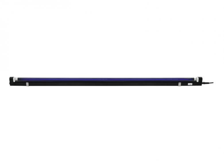 EUROLITE 120cm Ultra slim UV-valaisin 28W, Täysi complete setti. Kestävärakenteinen ja tyylikäs A1-luokan valaisinrunko UV-lampulla, EURO-verkkojohto, rungossa ON/OFF-kytkin, helppo asentaa, sopii mainiosti julkisiin paikkoihin ja kotikäyttöön. Mitat 1205 x 25 x 43 mm sekä paino 0.36kg.