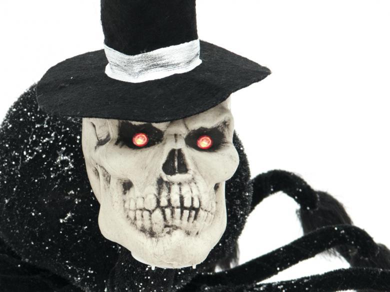 EUROPALMS Halloween hämähäkki sulhanen, kahdeksan pitkää taivuteltavaa jalkaa ja pääkallo hatulla, kaksi jaloista on luurankokäsiä, punaiset LED-silmät, korkeus 40cm, leveys 68cm, pituus 70cm, tuotetta ei ole palosuojattu, palosuojaukseen sopivaa palosuoja-ainetta katso Tuotteeseen yhteensopivat tuotteet