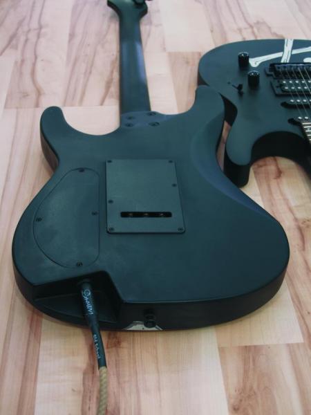DIMAVERY FR-530, sähkökitara pääkallo kuvioilla. E-Guitar.