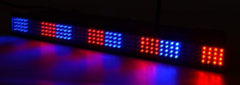 BEAMZ Langaton akkukäyttöinen LED-tanko. Wi-Bar 192 LED RGB Battery 2.4GHz DMX. Tässä DMX LED tangossa on 192 värillistä LEDiä (RGB) ja se on suunniteltu moniin käyttötarkoituksiin. Tässä laitteessa on mahdollisuus staattisiin väreihin, stroboon, himmentimeen ja värien sekoitukseen. 23 sisäänrakennettua ohjelmaa, useita eri käyttömoodeja sekä säädettävä nopeus. Tällä laitteella voi luoda välkkyvän ja värikkään valoshown.