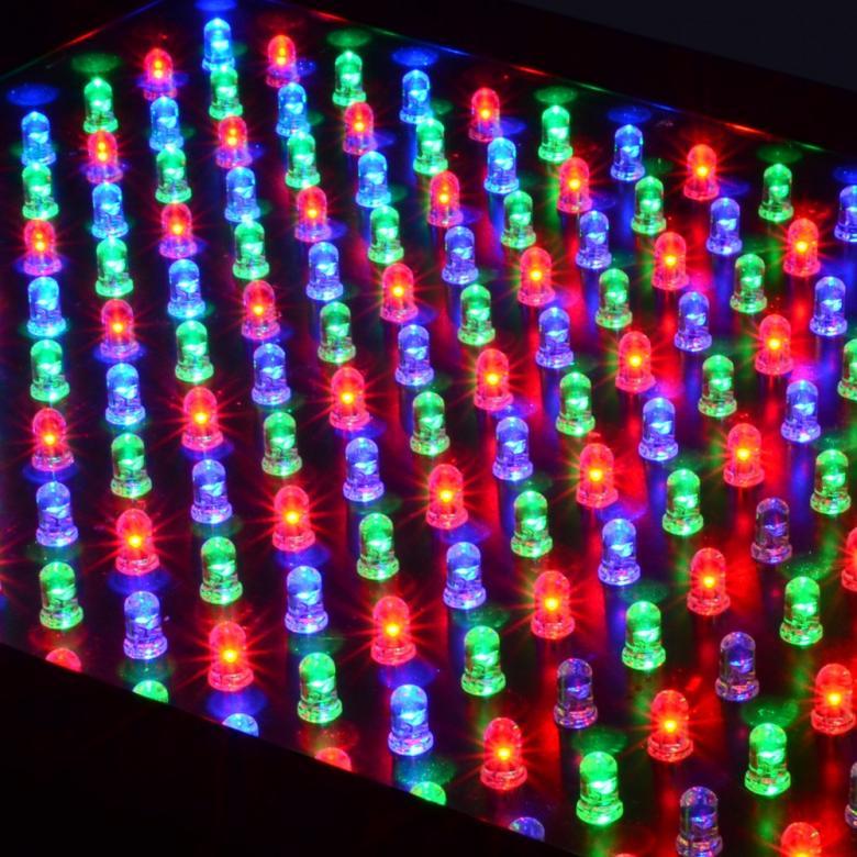 BEAMZ LCP-288 LED paneeli 288 RGB 5mm Lediä. LED Color Panel 288 LED 5mm. 27-kanavainen (!) DMX Väri Paneeli luo runsaita väripaletteja 288 RGB LEDin avulla. Varustetuna esi-ohjelmoiduilla tai musiikki-ohjatuilla ohjelmilla jotka tuottavat hämmästyttäviä show-elementtejä.Sisäänrakennettu mikrofoni herkkyyden säädöllä. DMX-ohjaus 6, 9, 15 tai 27-kanavaa. Värien vaihtumien säädettävissä. 8 kontrolloitavaa osiota.Pitkä ledien kestoikä 30 000 tuntia. Ei lämpöä. Langaton käyttö Wi-Powerhouse tuotenumero(150.572)Akkuyksikön avulla.