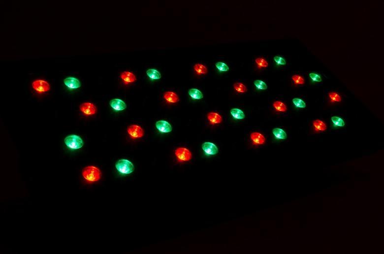 BEAMZ LCP-48 LED DMX LED paneeli 48x 1W RGB. Tässä 27-kanavaisessa DMX väripaneelissa on 48x 1W LEDiä (RGB) joista jokainen väri on himmennettävissä. Paneeli on suunniteltu useisiin käyttötarkoituksiin. Laitteessa on mahdollisuus staattisiin väreihin, stroboon, himmennykseen sekä muuttuviin efekteihin. 24-sisäänrakennettua tai musiikki-ohjattua ohjelmaa, useita käyttömoodeja sekä säädettävä nopeus takaavat että tällä laitteella voi luoda välkkyvän, suorastaan yliluonnollisen, valoshown.