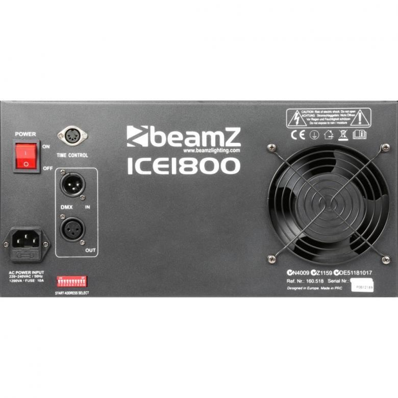 BEAMZ ICE1800 matalasavukone ICE 1800W on ammattilaisen DMX-ohjattava matalasavukone joka käyttää jäätä savun viilentämiseen, tuottaa raskaan savun joka hiipii lattiaa pitkin. Soveltuu useisiin eri käyttöpaikkoihin, clubeille, discoihin, livelavoille sekä teattereihin. Varustettu korkealuokkaisella lämmityselementillä sekä suurella nestetankilla. Toimitetaan kauko-ohjaimella. Mitat 750 x 405 x 395mm. Paino 16,9kg.