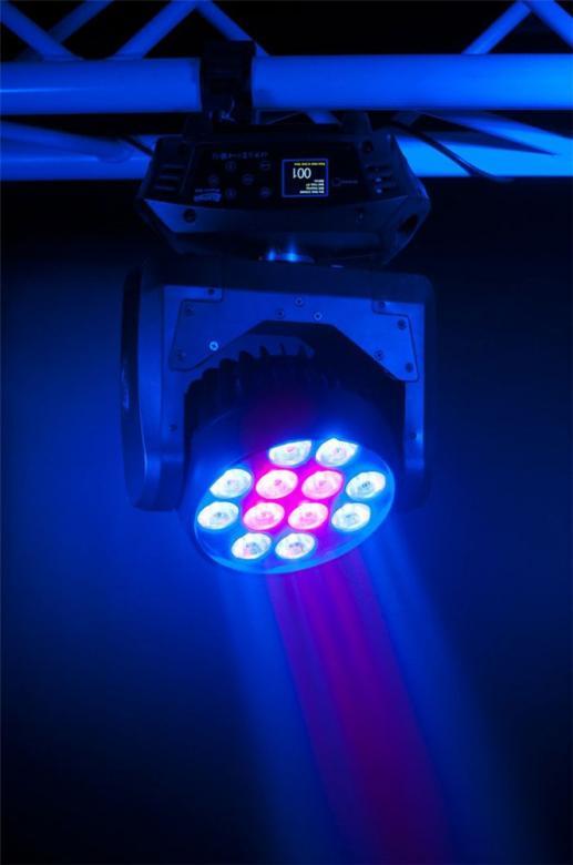 ELATION Rayzor Q12-LED Moving head 12x15W Uudessa Rayzor Q12sta on kaksitoista 15W Quad Color RGBW LEDiä, erittäin nopea 16-bitin resoluutiolla tapahtuva liike, värien sekoitus, sateenkaari-efekti, 7-14° säteen aukenemiskulma, 6 alueinen chase-efekti, 8 automaatti-ohjelmaa, välkkymätön toiminta TV ja filmauskäyttöä varten, 5pin DMX-liittimet, värillinen käännettävissä oleva menu-näyttö kuuden näppäimen ohjain paneelilla. Akku varmistus näytön virralle, moni-volttinen virtalähde (100-240v). Lisätarvikkeina saatavilla sumennus-filtterin pidike sekä lisäreunuksellinen linssinsuoja. Koko: 295.5mm x 214mm x 397mm Paino: 10kg