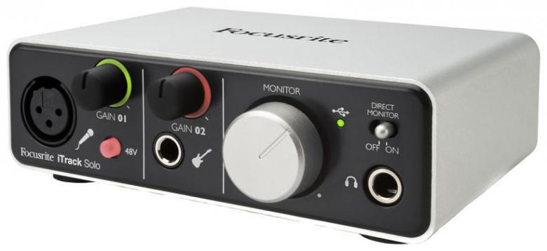 FOCUSRITE Focusrite iTrack Solo Korkealuokkainen interface iPadille, jossa liitännät mikrofonille sekä kitaralle/instrumentille. iTrack Solo toimii lukuisten iPadille saatavien musiikkiohjelmien kanssa, esim. suositun  Garagebandin kanssa. Laite toimii myös normaalina USB-interfacenä PC/Mac –koneissa ja mukana tulee Abletonin Live Lite ohjelmisto sekä Focusriten omat Scarlet -plugarit. 24-bit / 96 kHz, 2 analogista Linja/Mic/Instrumentti-Sisäänmenoa, 2 analogista Linja-ulostuloa RCA, Ableton Live Lite 8 ja Focusrite Scarlett Plug-in-Suite, Mitat: 142 x 95 x 45 mm (LxSxK), Paino: 560g