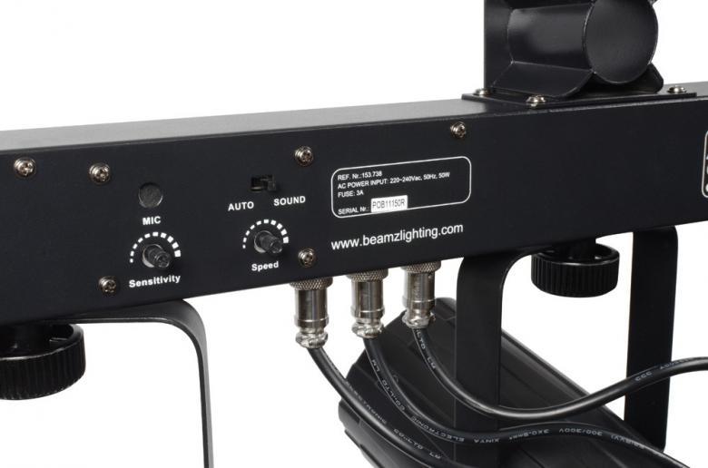 BEAMZ 3-Some Valosetti 3x 57 RGBW LED-valoefekti. Hieno ja tehokas flower-tyyppinen valoefekti läpinäkyvillä kuorilla. Auto mode sisäänrakennetuilla ohjelmilla sekä ääniohjaus, ääniohjauksen herkkyys säädettävissä. Kaikkia kolme valoefektiä voidaan suunnata erikseen. T-Bar sopii BEAMZ-valostandeihin, joten 3-some on täydellinen ratkaisu millä tahansa keikkareissulla. Virtalähde: 220-240Vac / 50Hz. Mitat: 838 x 89 x 318mm ja paino: 5,7kg