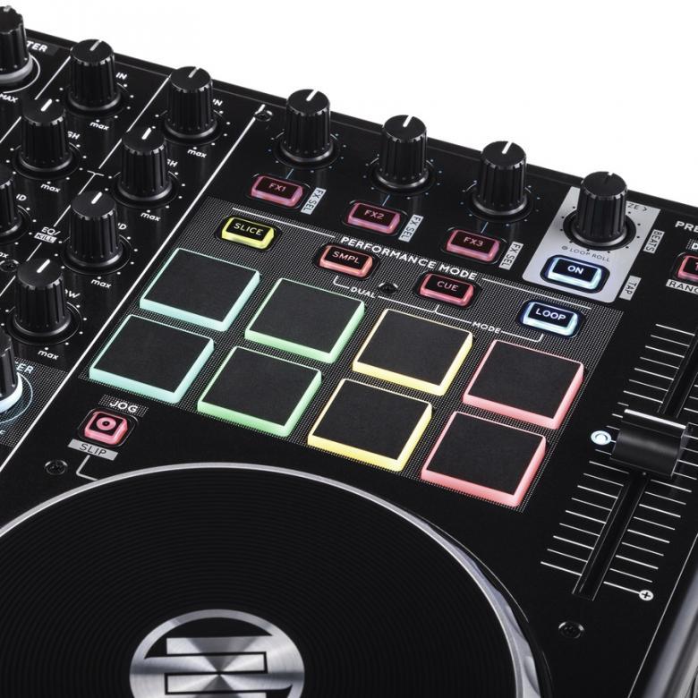 RELOOP DJ-kontrolleri Terminal mix 8 Serato DJ  Reloop on kehittänyt 4-soittimisen pad-pohjaisen esiintymis kontrollerin joka on suunniteltu toimimaan saumattomasti suositun SERATO DJ-ohjelmiston kanssa. Kontrolleri on kehitetty läheisessä yhteistyössä Seraton kanssa ja vastaa ammattimaisen Clubi DJ:n vaatimuksiin tarjoten spektaakkelimaisia live-esiintymismahdollisuuksia, luovaa efektimanipulaatiota sekä uniikkeja kontrollerismi-mahdollisuuksia. Varustettu samoilla premium-ominaisuuksilla ja rakenteella jotka ovat tehneet Terminal Mix-kontrollereista tunnettuja ympäri maailmaa laajentuen edeltäjistään hienostuneeseen esiintymis-osioon varustettuna kosketus-herkillä, moni-värisillä rumpupadeilla, Terminal Mix 8 on todellinen huippu. Mukana Serato DJ!