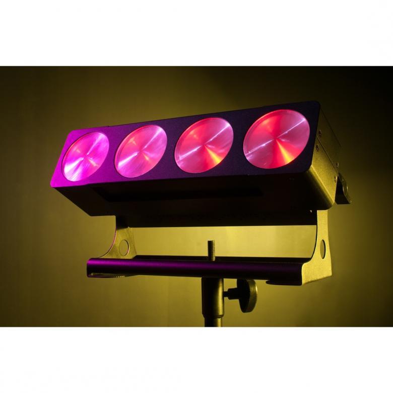 ADJ Dotz Bar 1-4-LED COB 4x9W Pesuri/blinder jossa käytetään edistynyttä COB LED-teknologiaa joka sallii voimakkaan LED valonlähteen sijoittamisen erittäin pieneen tilaan. Tuloksena on turbo-ahdettu, korkean valontuoton, valo-pesuri jonka erittäin tasainen ja tehokas väriensekoitus saa voimansa neljästä 9W TRI COB LEDistä. 0-100% himmennys, strobo/pulssi-efekti, sisäänrakennettuja ohjelmia ja väri-makroja, ääni-aktivoituna tai DMX-ohjattuna. Mitat: 340 x 140 x 140mm Paino: 2.8 kg