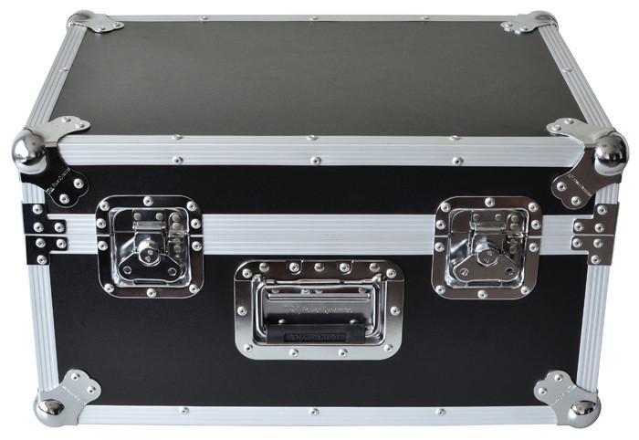 POWERDYNAMICS Kuljetuslaatikko PD-FC6. Erittäin jykevä ammattimainen kuljetuslaatikko. Varmista laitteidesi paras säilyvyys sekä turvallinen kuljetus. Materiaalina kestävä koivuvaneri, vahvistetut reunat, metalliset nurkkapallot joiden varaan laatikot pinoutuvat, vaahtomuovi-sisus. mitat: 575 x 400 x 325mm Paino: 7.1kg