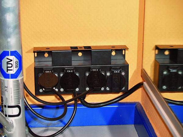 POISTO EUROLITE SB-48 Haaroitusrasia. Split box cable 15m+ Bulgin