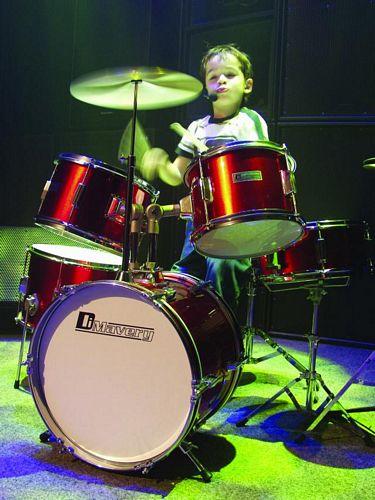 DIMAVERY Drum-Set Kids JDS-305 red 5pcs, Lasten rumpusetti 5-osainen. Laadukas! Sisältää myös kapulat ja rumpujakkaran!