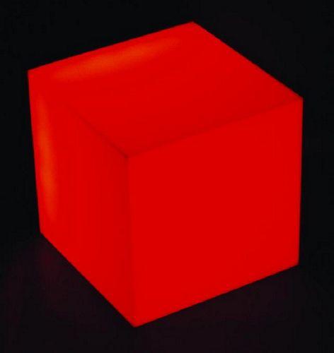 EUROLITE LED CUBE for CB-8/16 IR off-beat decorative and lighting possibilities! Monikäyttöinen, monivärinen. Infraohjattava. vaatii toimiakseen ohjaimen CB-8 tai CB-16